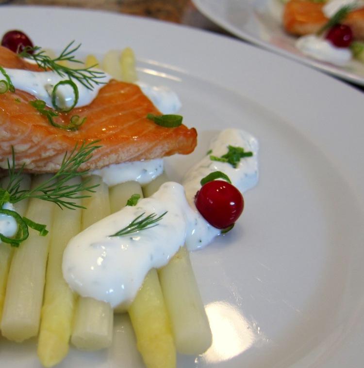 Salmon-Asparagus-Sour Cream2