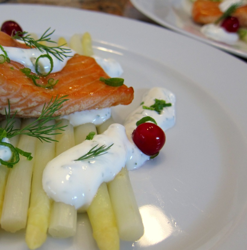 Salmon-Asparagus-Sour Cream2