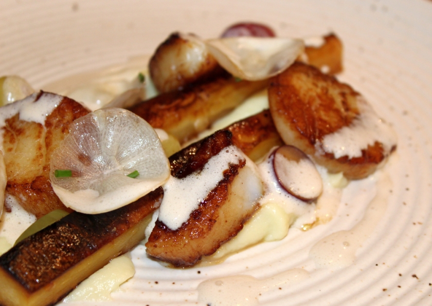 Scallops-Parsnips-Grapes