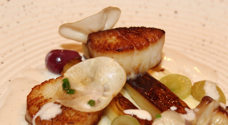 Scallops-Parsnips-Grapes2